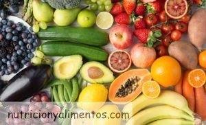 Comer fruta antes de las comidas y con el estomago vacío