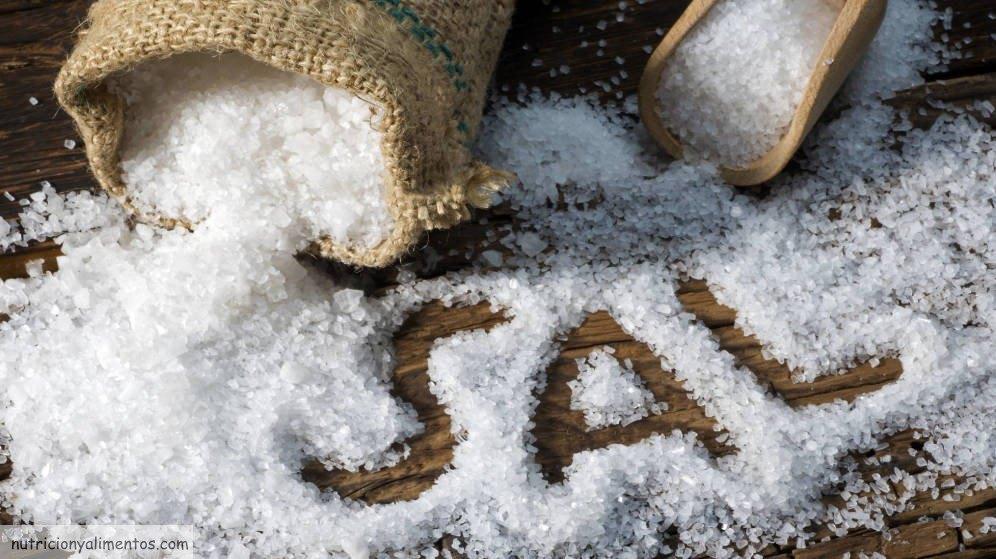riegos de comer mucha sal